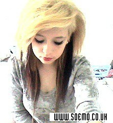 soEmo.co.uk - Emo Kids - Blonde-Emo-Girl