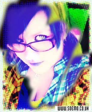 soEMO.co.uk - Emo Kids - Kimberly_Dannie - Featured Member