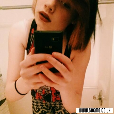 soEMO.co.uk - Emo Kids - Queen_motionless - Featured Member