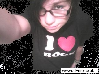 soEmo.co.uk - Emo Kids - Randi_Loves_Elmo