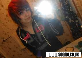 soEmo.co.uk - Emo Kids - Scarlet_wolf