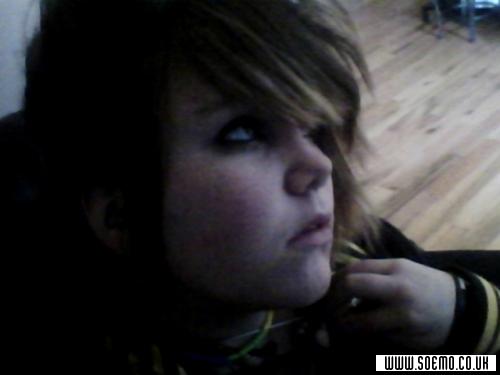 soEmo.co.uk - Emo Kids - ScreamingShadow