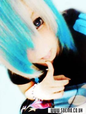 soEmo.co.uk - Emo Kids - blue_Kawai