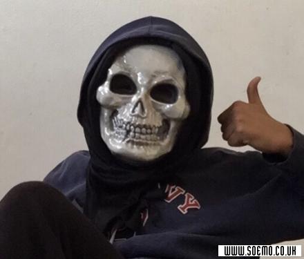 soEmo.co.uk - Emo Kids - Skull-h00d