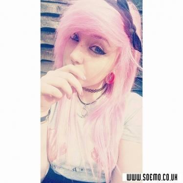 soEmo.co.uk - Emo Kids - XashtrayX